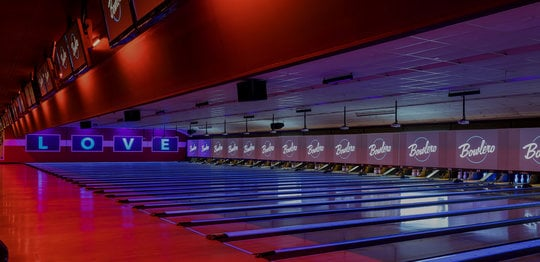 Lanes with video walls