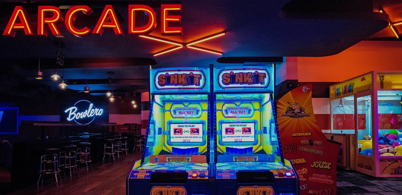 Arcade game with lanes in the background
