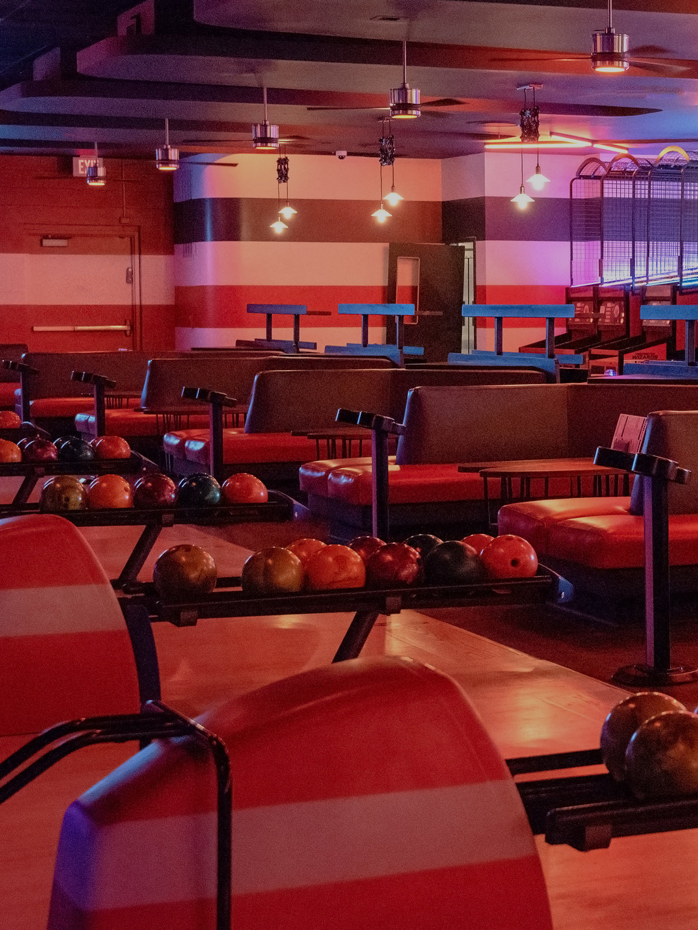 Bowling Alley With Sports Bar In San Antonio Bowlero